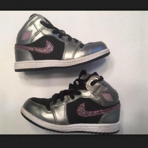 e2633fe9b54c8e Toddler Nike Air Jordan Retro 1 Basketball Shoes. M 5a848d858290af5314c03261